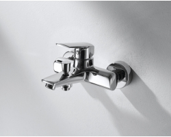 Смеситель для ванны Bravat Real F6121179CP-01 (хром глянец)